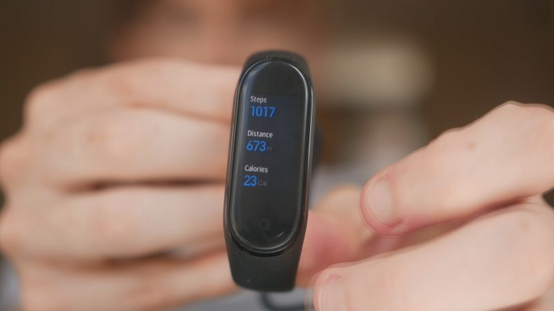 Mi Band 4 Review: The Best Value Smartband Ever - Dan's Gadgets